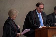 O que fazer quando um membro da elite do judiciário decide que você não é digno de receber pelo seu trabalho... (veja o vídeo)