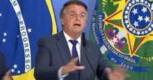 """Com ironia, Bolsonaro pede aplausos para Fux e declara: """"Não pode haver democracia sem cumprir a Constituição"""" (veja o vídeo)"""