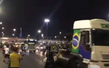 URGENTE: Caminhoneiros invadem a Esplanada (veja o vídeo)