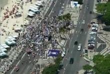 Agora ele cai! O Brasil vive um momento histórico... Uma multidão de ninguém saiu às ruas