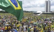 Porque a direita avança no Brasil e no mundo
