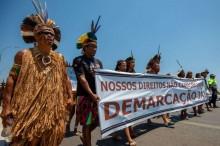 Demarcação de terras indígenas não pode anular o direito de propriedade: Esquerda radical manipula índios para incendiar o Brasil