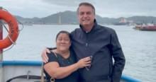 Bolsonaro é recebido com carinho pelo povo no litoral paulista e mulher não segura lágrimas ao encontrá-lo (veja o vídeo)