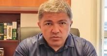 """Jornalista fica mais de 40 dias preso, passa fome, perde mais de 10kg e sai """"sem voz"""" (veja o vídeo)"""