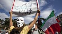 Passaporte sanitário faz trabalhadores italianos saírem às ruas