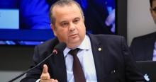 Ministro sobe o tom e detona governos petistas, que investiam verbas em outros países (veja o vídeo)