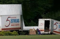 Mudança de Lula, 11 caminhões
