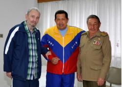 Os irmãos Castro e Hugo Chàvez