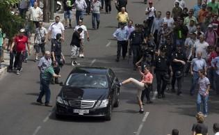 A percepção equivocada do confronto Uber x taxista