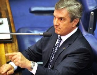 """Flagrante: Collor chama o Procurador-Geral da República de """"Filho da P...."""" (veja o vídeo)"""