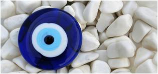 Olho Grego: Uma tendência da moda positiva e energética