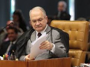 Fachin, relator da ADPF do PCdoB contraria pretensões do governo e Outras Notas Importantes