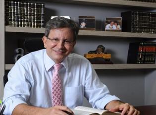 Ex-Magistrado e renomado jurista defende 'revolução judicial' contra corrupção (veja vídeo)