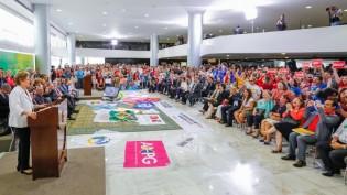 Em novo discurso orquestrado no Palácio do Planalto a presidente carrega nos subjetivos