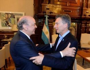 Serra fecha 'parceria' com Macri