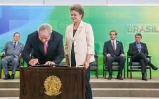 Lula, na fuga de Moro, quer que STF reconheça a nomeação como ministro