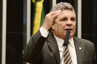 Deputado escandaliza Câmara com devassa em gigantescas verbas públicas distribuídas pelo PT (veja o vídeo)