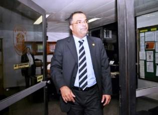 Policiais legislativos são soltos, menos o homem de confiança de Renan
