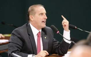 Deputados criminosos vaiam relator das 10 medidas contra a corrupção (Veja o vídeo)