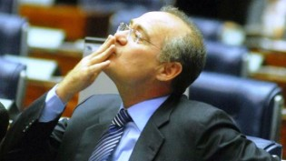 Renan tripudia sobre o STF e propõe nova 'sabatina' para ministro