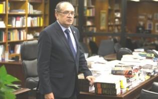 Candidatos à vaga de Teori fazem fila no gabinete de Gilmar Mendes