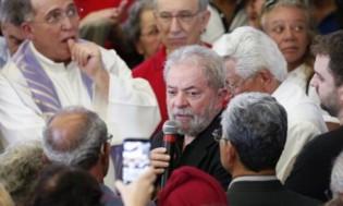 De corpo presente, Lula dá o tom de seu discurso de vitimização e ódio (veja o vídeo)