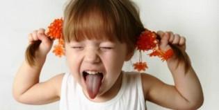 Quando crianças desafiam os pais além do normal