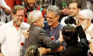 Erro crasso de português em manifesto de intelectuais petistas vira 'chacota' na web (veja o vídeo)