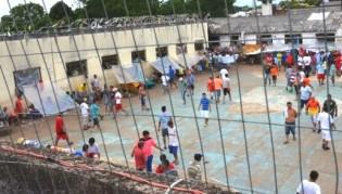 Para 'construir' provas visando indenizações, presos de Passo Fundo (RS) anunciam greve de fome