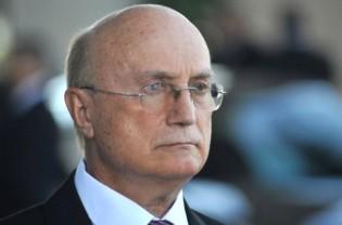 Ministro da Justiça está soterrado na carne podre (veja o vídeo)