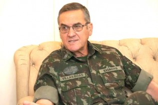 Petistas queriam usar o Exército para barrar impeachment, revela Comandante