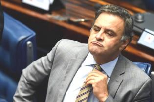Determinação do STF é ignorada pelo Senado e Aécio continua em pleno exercício do mandato
