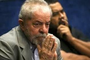 Negativa de desbloqueio de dinheiro de Lula é indício de derrota no TRF-4