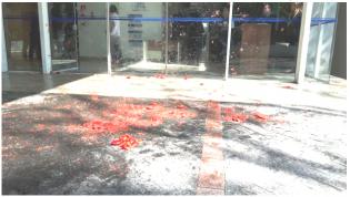 """Gilmar corre de manifestantes, mas leva """"tomatadas"""" na porta de sua faculdade"""