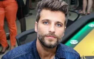 Gagliasso registra queixa no Rio, mas garante que abrirá processo no Canadá contra blogueira (veja o vídeo)