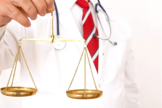 A judicialização da medicina e os conflitos morais e éticos do médico brasileiro