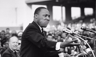 "YouTube marca discurso de Martin Luther King Jr contra o racismo como ""supremacista"""