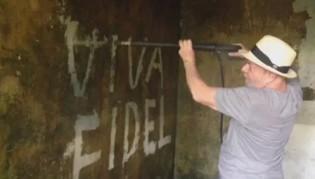 Lula Pixa na Parede: Viva Fidel e Blocos Comunistas invadem o Carnaval
