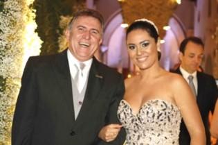 Ex-deputado, marido da aprendiz de Marisa Letícia, é preso e agride repórter (Veja o Vídeo)