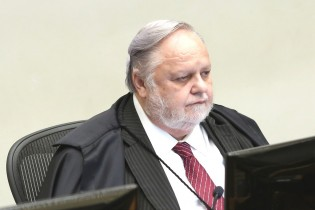 STJ acaba de negar HC a Lula
