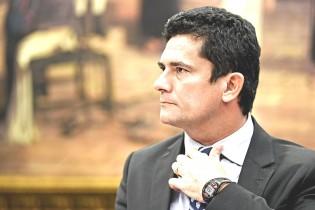 A culpa é do juiz Moro ao beneficiar um ex-presidente condenado à prisão