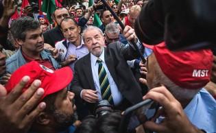 Ciente do indeferimento do registro de Lula, PT prepara campanha contra o TSE