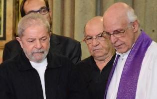 Padre sai da cadeia e não pede Justiça, pede Lula Livre (Veja o Vídeo)