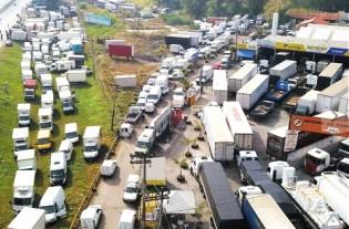 O sorrateiro trabalho da Rede Globo contra o movimento dos caminhoneiros (Veja o Vídeo)