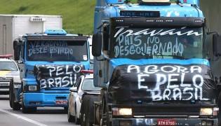 Por que os caminhoneiros estão recebendo o apoio da sociedade?