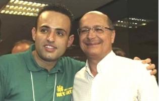 Vídeo com Alckmin apresentando suposto membro do PCC viraliza na rede (Veja o Vídeo)