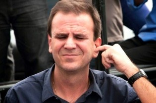 Cara de pau, Paes reaparece em Maricá e diz que será o mais votado na cidade (Veja o Vídeo)