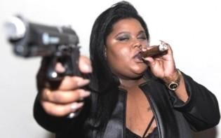 """Cantora de """"Tô Usando Crack"""" é atração no Festival Lula Livre (Veja o Vídeo)"""