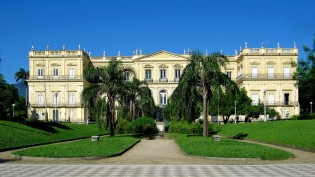 O incêndio do Museu Nacional teria sido vingança dos fanáticos por Lula?