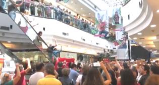 Finalmente o PT consegue ajuntar militantes e fazer um protesto (Veja o Vídeo)